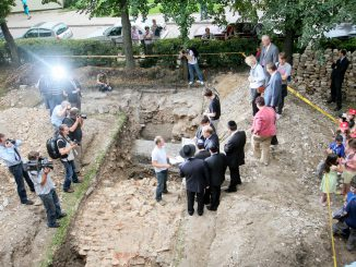 Unearthed fragments of Vilnius Great Synagogue