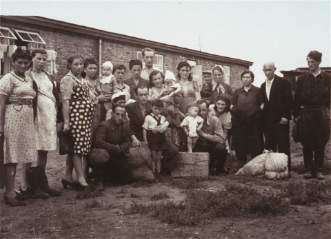 Polish-Jewish Displaced Persons in a Camp near Zeilsheim in 1946. Curtesy of USHMM Washington