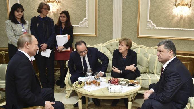 Vladimiras Putinas, Francois Hollande'as, Angela Merkel, Petro Porošenka
