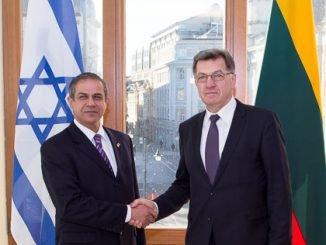 Israeli Ambassador Amir Maimon and Lithuanian Prime Minister Algirdas Butkevičius