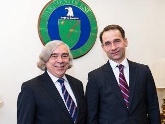 US Secretary of Energy, Dr. Ernest Moniz  and Minister of Energy Rokas Masiulis Photo Ludo Segers