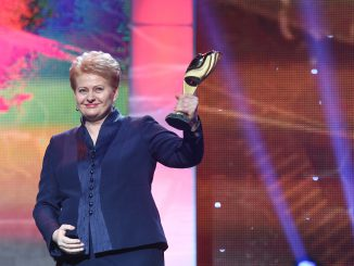 President Dalia Grybauskaitė was presented with Ukraine's Person of the Year 2014 award in in Kyiv Źródło: lrp.lt
