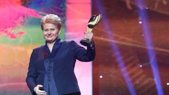 President Dalia Grybauskaitė was presented with Ukraine's Person of the Year 2014 award in in Kyiv Źródło: lrp.lt