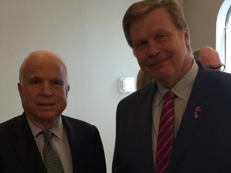 Hon. Consul J. Prunskis meets Senator McCain