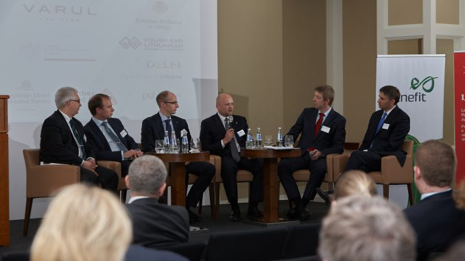 Traditional and Renewable Energy Forum.  Photo by Maksim Mirošnikov