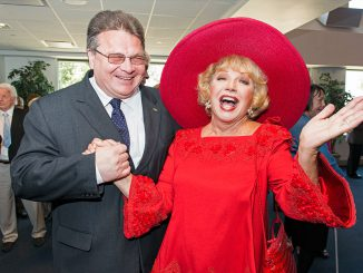 A bit of Hollywood glamour with Foreign Minister Linas Linkevicius and actress Ruta Lee