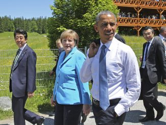 Angela Merkel and Barack Obama in a G7 meeting