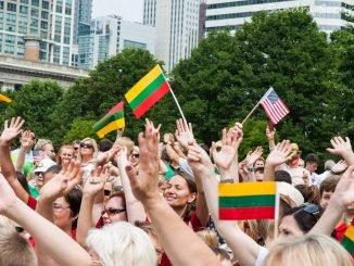 Tautiška giesmė pasklido po pasaulį