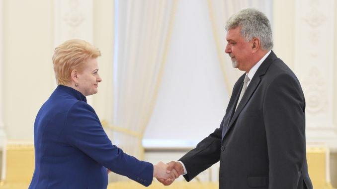 Lithuanian President Dalia Grybauskaitė and Hungarian Ambassador Zoltan Jancsi. Photo R.Dačkus