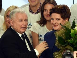 PiS leader Jaroslaw Kaczynski with prospective PM candidate Beata Szydlo
