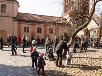 Crown attending Easter church service outside in Vilnius  04 Photo © Ludo Segers @ The Lithuania Tribune