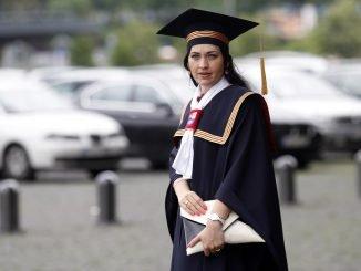 LSMU studentai renkasi į diplomų įteikimo šventę