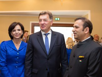 PM Butkevičius and his wife with India's ambassador Ajay Bisaria at the India@70 reception
