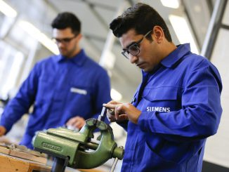 "Refugees working in German company ""Siemens"""