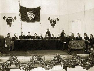 Council of Lithuania, Vilnius,1917. From the left: P. Bugailiškis, K. Bizauskas, K. Šaulys, J. Staugaitis, J. Basanavičius, S. Kairys, A. Smetona, J. Vileišis, P. Dogelis, J. Paknys, J. Šaulys, M. Biržiška, J. Stankevičius, P. Klimas