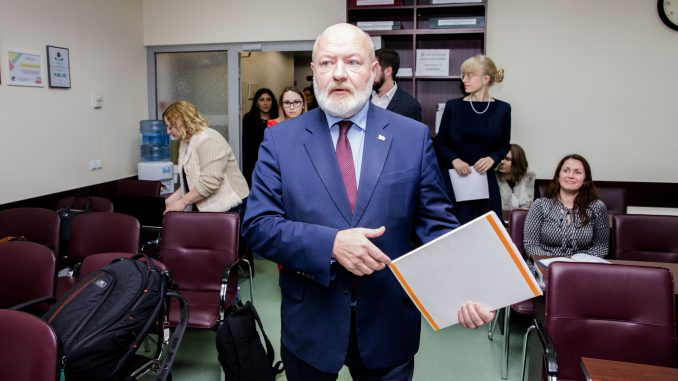 Eugenijus Gentvilas at the Central Electoral Commission meeting