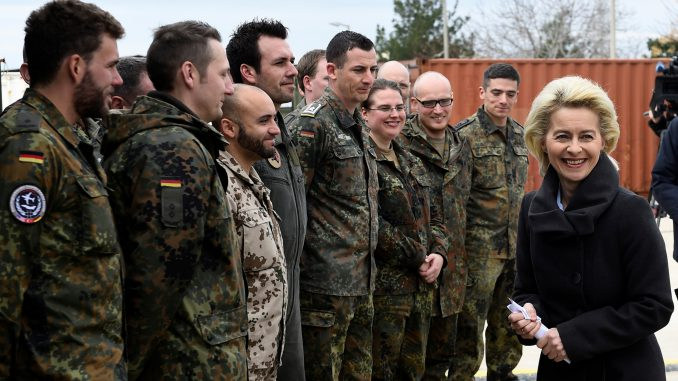Ursula von der Leyen with German troop in Lithuania