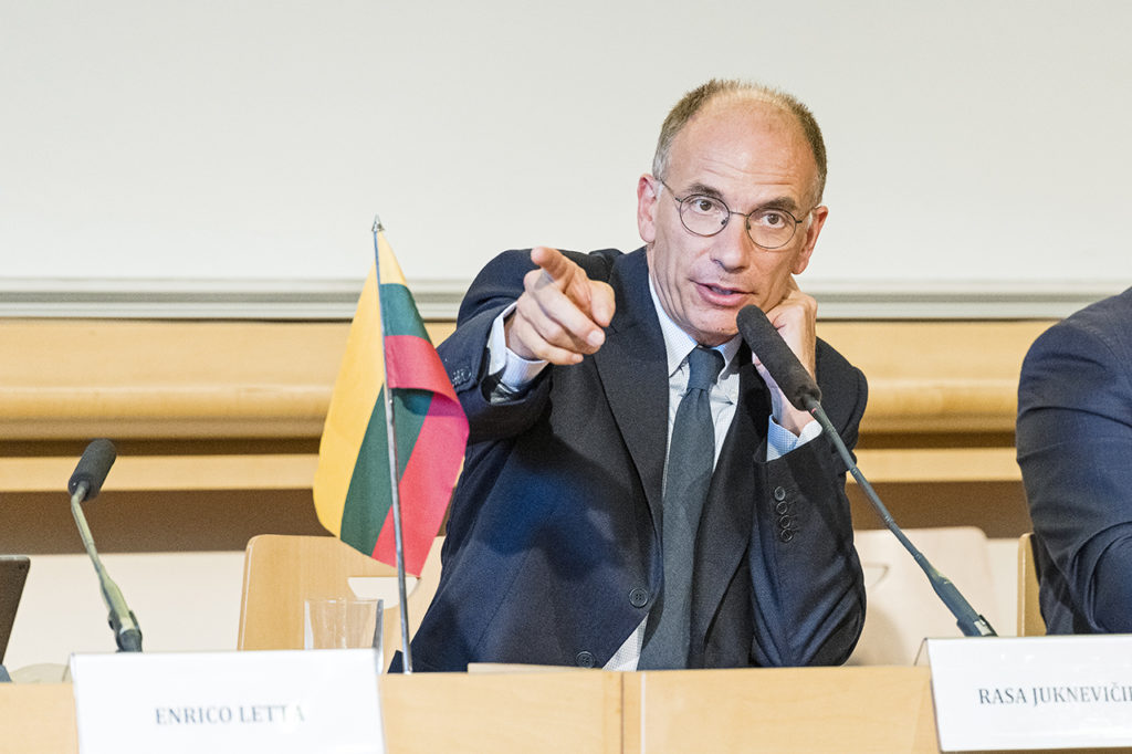 Science Po Dean Enrico Letta taking questions from students Photo © Ludo Segers @ The Lithuania Tribune