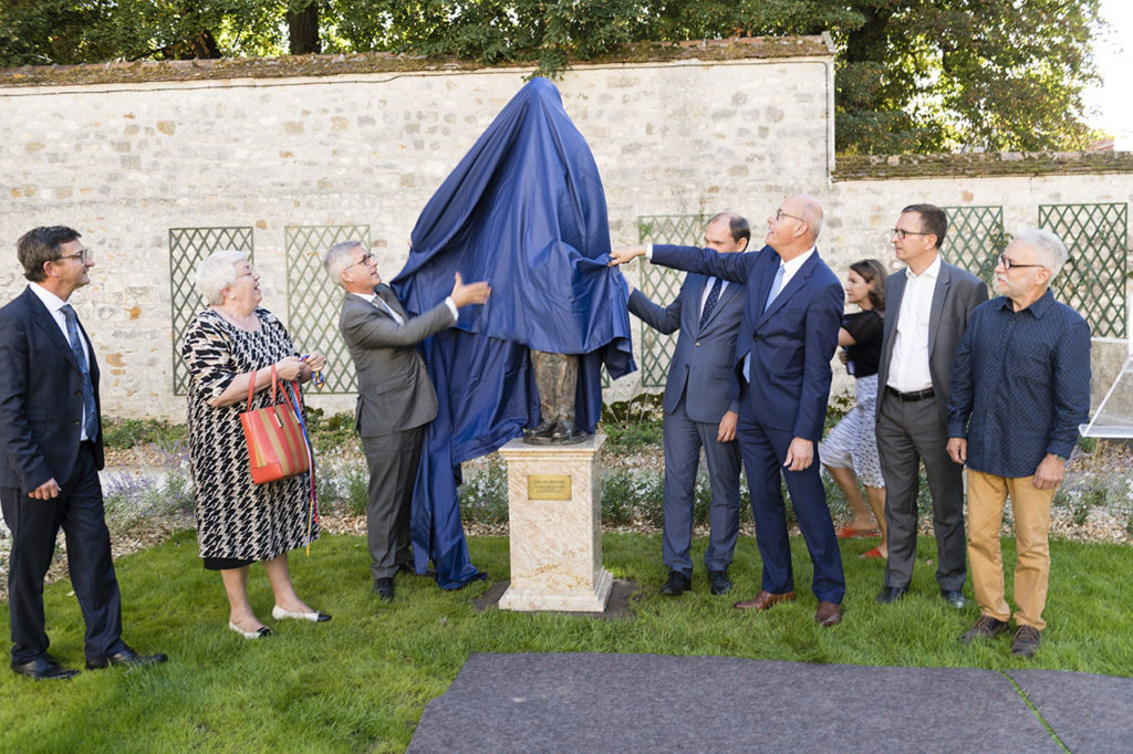 Statue Unveiling Photo © Ludo Segers @ The Lithuania Tribune